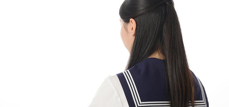 セーラー服をきた女子高生