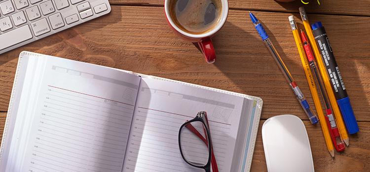 スケジュール帳と筆記用具