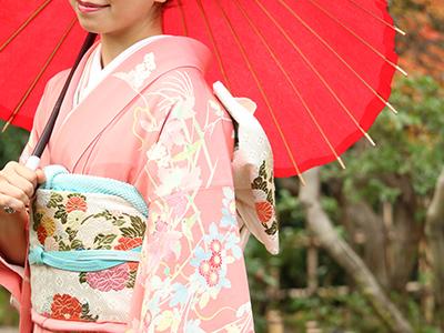 和服を着た京都美人のイメージ