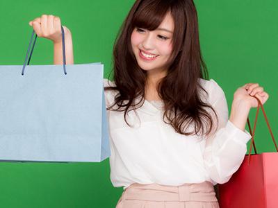 ショッピングをして大満足な女の子